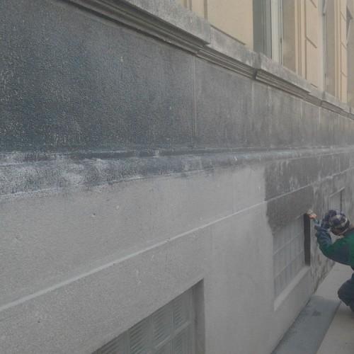 Restauro di facciate di edifici con microsabbiatura Verona.